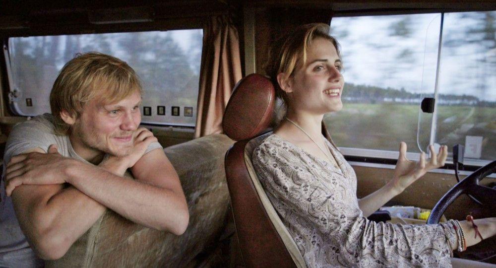 Die Anziehungskraft zwischen Jan (Anton Spieker) und Jule (Mala Emde) wächst, je näher sie ihren Zielen kommen.