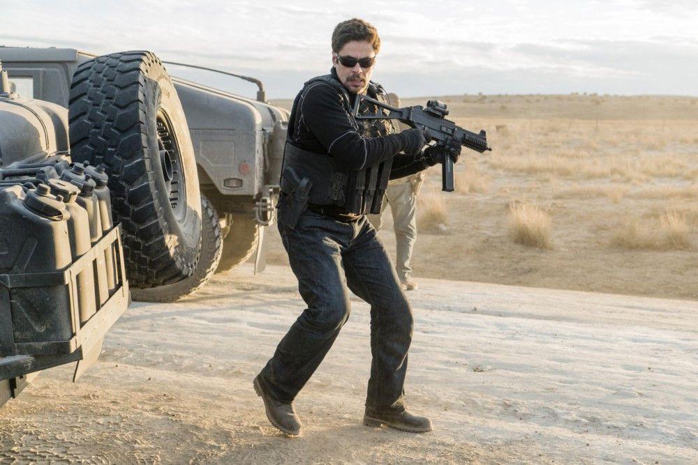 Während des Einsatzes wird Alejandro (Benicio del Toro) in einen Hinterhalt gelockt.