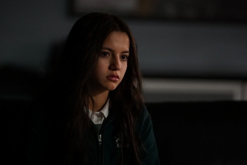 Isabela Reyes (Isabela Moner) wird entführt.