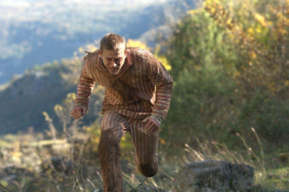 Papillon (Charlie Hunnam) wagt einen Fluchtversuch.
