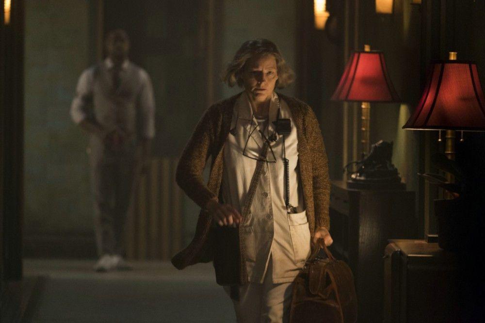 Die Schwester (Jodie Foster) leitet das Hotel Artemis.