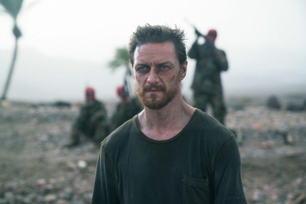 James (James McAvoy) gerät, kurz nachdem er sich in Nordfrankreich verliebt hat, in die Hände einer islamischen Terrorgruppe in Afrika.