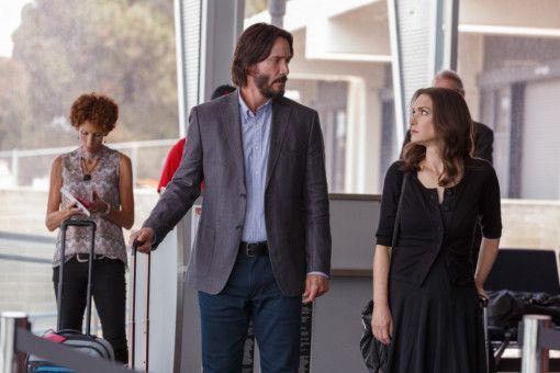 Der erste Eindruck? Völlig daneben: Am Flughafen wissen Frank (Keanu Reeves) und Lindsay (Winona Ryder) noch nicht, dass sie die folgenden 72 Stunden miteinander verbringen werden.