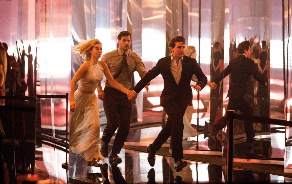 Auf der Flucht: Ethan Hunt (Tom Cruise, rechts), August Walker (Henry Cavill) und White Widow (Vanessa Kirby).