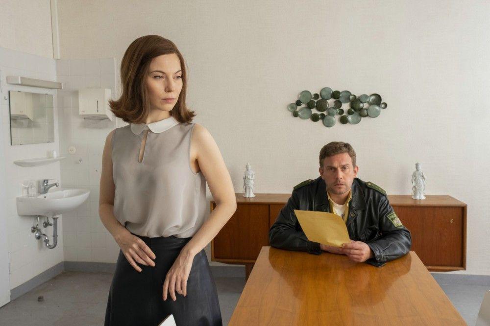 Eine gute Beziehung wird da nicht mehr draus: Franz Eberhofer (Sebastian Bezzel) trifft in München auf seine Widersacherin Thin Lizzy (Nora Waldstätten).