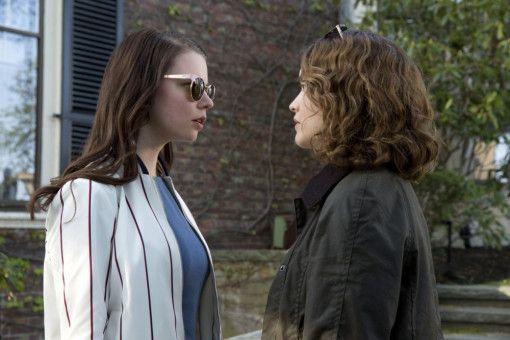 Lily (Anya Taylor-Joy, links) und Amanda (Olivia Cooke) sind alte Sandkastenfreundinnen, die sich eine Weile aus den Augen verloren haben.