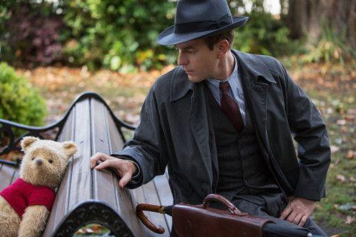 Zwei vom gleichen Schlag? Puuh findet seinen alten Spielkameraden Christopher Robin (Ewan McGregor).