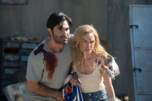 Nina (Kate Bosworth) und ihr Mann Mark (Tyler Hoechlin) machen sich auf die gefährliche Suche nach Ninas Eltern.