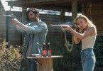 Nina (Kate Bosworth) und Mark (Tyler Hoechlin) wollten eigentlich ihr altes Leben trotz der katastrophalen Zustände fortführen.