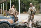 Ist Nathan (Lance Reddick, rechts) wirklich so hilfsbereit, wie Mark (Tyler Hoechlin) glaubt?