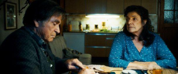 Viel haben sie sich nicht mehr zu sagen: Schorsch (Elmar Wepper) und seine Frau Monika (Monika Baumgartner).