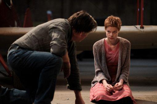 In Philomena (Emma Bading) hat Schorsch (Elmar Wepper) plötzlich eine neue Reisebegleitung.