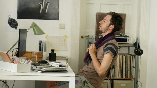 Der schüchterne David (Max Mauff) hat Probleme, eine Partnerin zu finden.