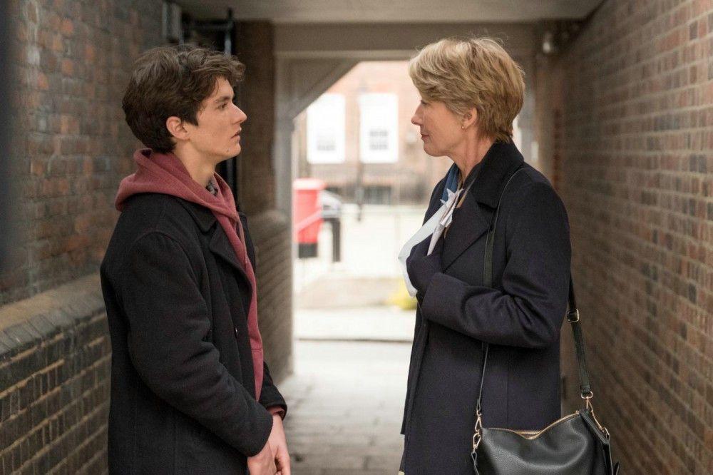 Fionas (Emma Thompson) private Turbulenzen kommen zur Unzeit: Sie muss sich mit dem Teenager Adam (Fionn Whitehead) juristisch auseinandersetzen.