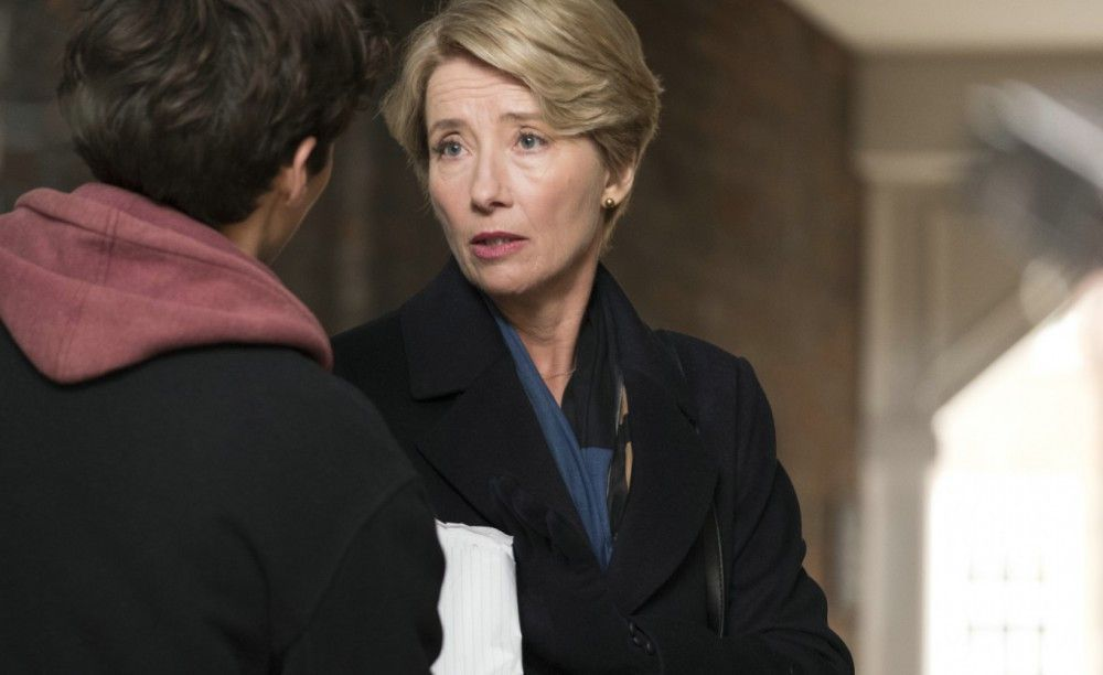 Mit ihrem Urteil, dass Adam (Fionn Whitehead) weiterleben muss, bürdet sich Richterin Fiona Maye (Emma Thompson) eine Verantwortung auf, mit der sie nicht gerechnet hat.