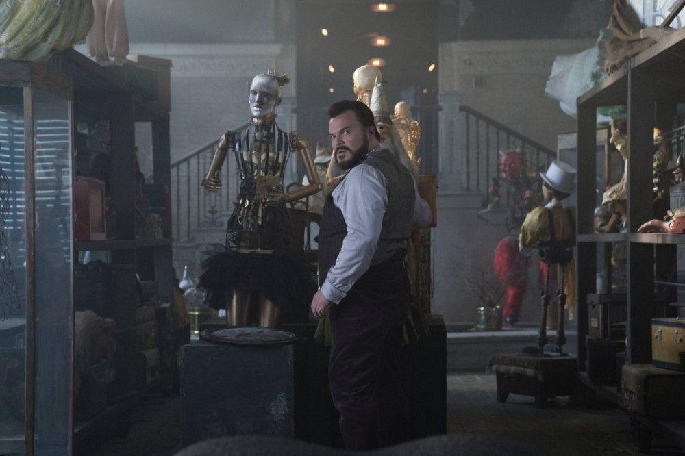 """Der Comedian Jack Black übernimmt in """"Das Haus der geheimnisvollen Uhren"""" den Part des schrulligen Onkels - die Rolle scheint ihm wie auf den Leib geschneidert."""