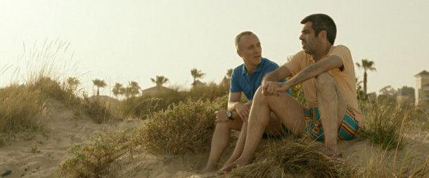 Im Gespräch mit seinem Starspieler Roman (Roberto Sánchez, rechts) erfährt Marco Montes (Javier Gutiérrez) viel über das Selbstverständnis seiner Schützlinge.