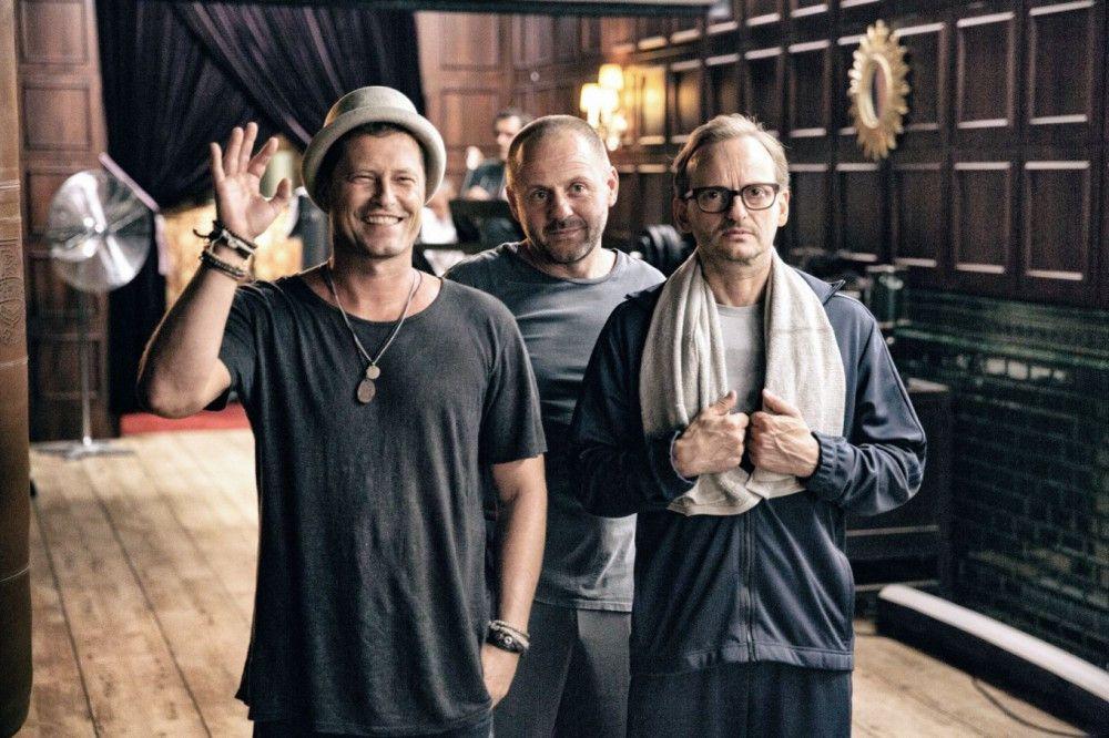 Thomas (Til Schweiger, links), Nils (Samuel Finzi, Mitte) und Andreas (Milan Peschel) kennen sich seit Schulzeiten.