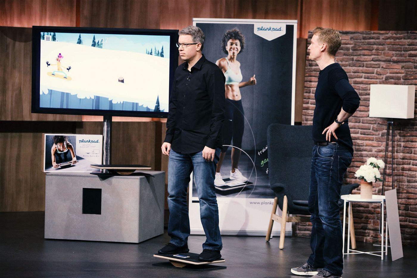 """<p><b>Der Gründer und sein Produkt</b>: André Reinegger (40) aus Aachen hat """"Plankpad"""" erfunden, ein Balance-Board mit einer App, die die Übungen dynamisch mit Spielen und Workouts verbindet.</p> <p><b>Der Wunsch</b>: 50.000 Euro für einen Firmenanteil von 15 Prozent.</p> <p><b>Der Deal</b>: Ralf Dümmel bot 50.000 Euro für 25 Prozent.</p>"""