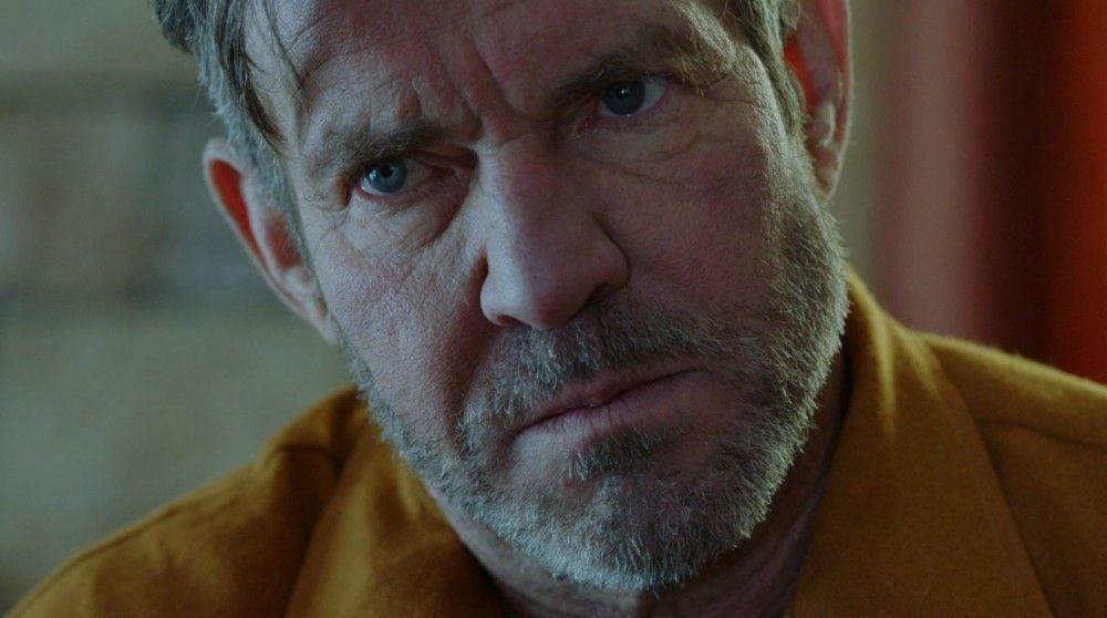 Barts Vater Arthur (Dennis Quaid) ist gewalttätig, verändert sich aber mit der Zeit.