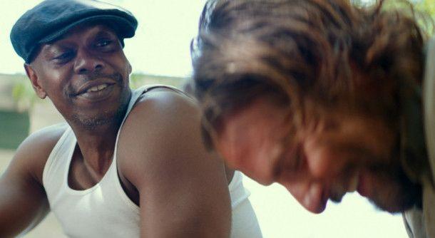 George (Dave Chapelle, links) rät seinem alten Kumpel Jackson (Bradley Cooper), Ally zu heiraten.