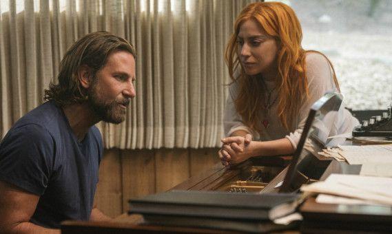 Auch die leisen Töne kann er: Jackson (Bradley Cooper) singt Ally (Lady Gaga) einen Song vor.