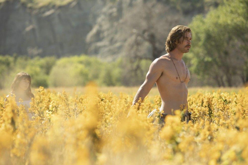 Auch Sektenführer Billy Lee (Chris Hemsworth) taucht irgendwann im El Royal auf ...