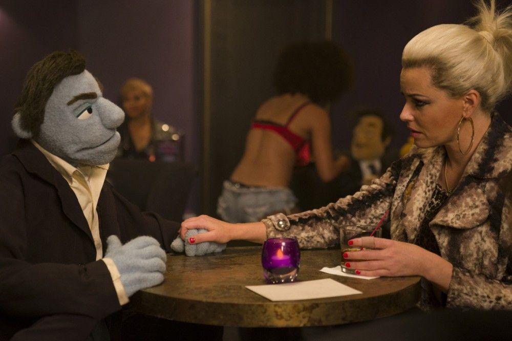 Auch Phils Ex-Freundin Jenny (Elizabeth Banks) spielt nicht mit offenen Karten.
