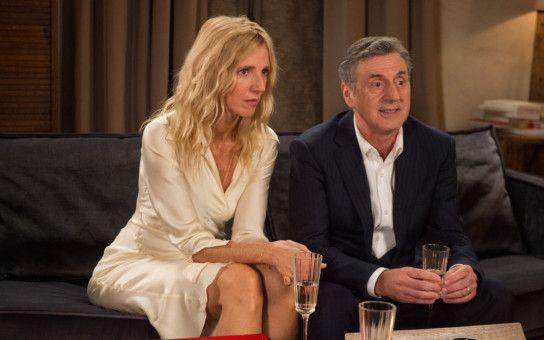 Nur schwer kann Daniel (Daniel Auteuil) seine Frau Isabelle (Sandrine Kiberlain) überzeugen, Patrick und seine neue Freundin zum Essen zu sich einzuladen.