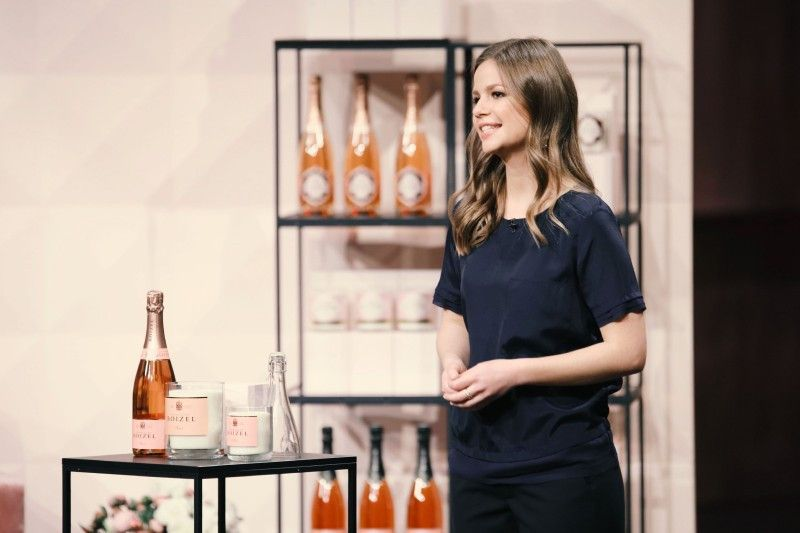 """<p><b>Die Gründerin und ihr Produkt</b>: Katharina Baumann (26) vertreibt die Luxus-Kerzen """"Design Bubbles"""", Leere Champagnerflaschen werden professionell geschnitten, poliert und mit einem Bio-Sojawachs befüllt. <p><b>Der Wunsch</b>: 200.000 Euro für einen Firmenateil von 15 Prozent.</p> <p><b>Der Deal</b>: Dagmar Wöhrl bietet die gewünschten 200.000 Euro für 25 Prozent. Doch im Nachgang der Show platzte der Deal.</p>"""