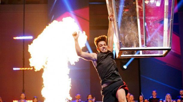 Luca Hänni macht einen gewaltigen Sprung. Luca Hänni? Ja genau, der frühere DSDS-Sieger versucht sich in Folge 5 (20. Oktober) als Ninja Warrior.