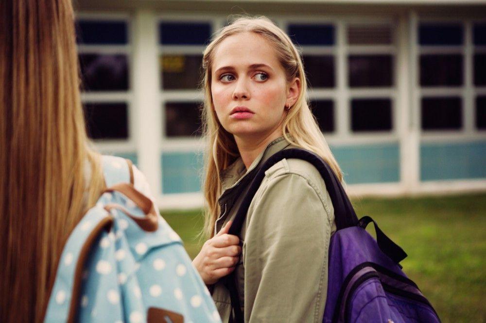 """Die charakterstarke Ellie (Tessa Albertson) wagt es, Melissas """"Hexenjagd"""" auf Abigail zu widerstehen."""