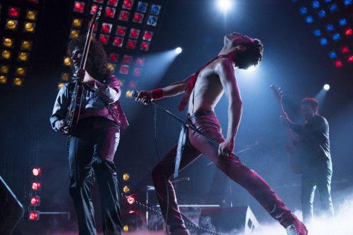 Hauptdarsteller Rami Malek hat mit einem Bewegungscoach die Gesten von Freddie Mercury perfekt einstudiert.