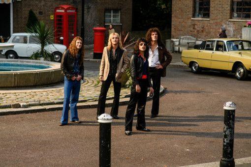"Mit ""Bohemian Rhapsody"" schafft Queen 1975 den Durchbruch (von links): John Deacon (Joe Mazzello), Roger Taylor (Ben Hardy), Freddie Mercury (Rami Malek) und Brian May (Gwilym Lee)."