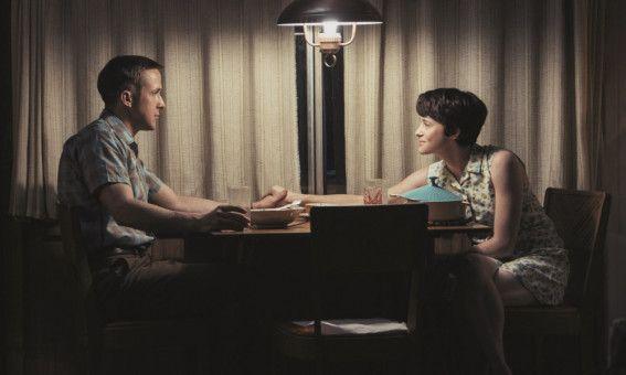 Neil (Ryan Gosling) und seine Frau Janet (Claire Foy) sind für seine Ausbildung nach Houston gezogen.