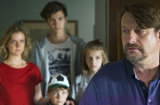 Erneut unter Verdacht: Guido Wachs (Peter Trabner) mit seiner Familie.