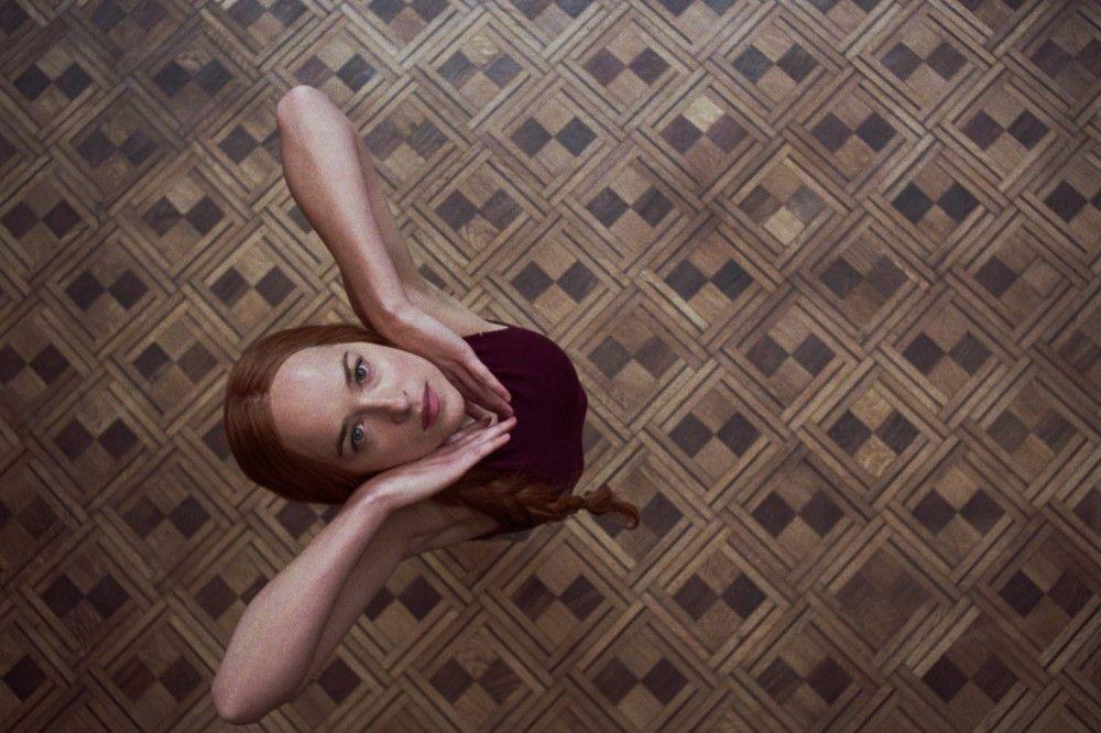 Susie (Dakota Johnson) überzeugt beim Vortanzen die künstlerische Leiterin Madame Blanc.