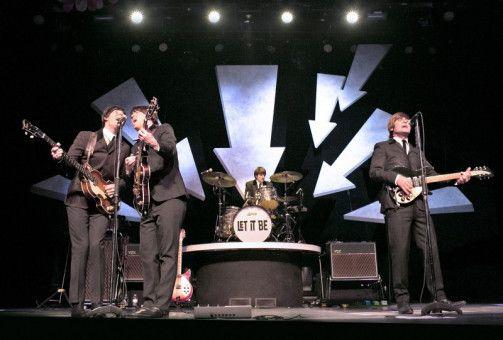 Verblüffend nah am Original: Die Beatles-Interpreten machen ihren berühmten Vorbildern alle Ehre.