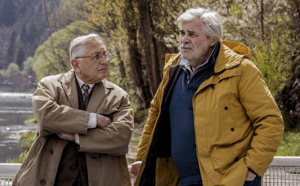 Ali Ungár (Jirí Menzel, links) und Georg Graubner (Peter Simonischek) verbindet ein grausames Verbrechen.