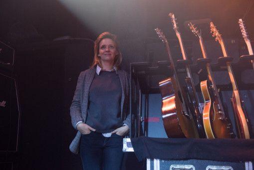 Rainer wird von Clubinhaberin Steffi (Laura Tonke) unterstützt.