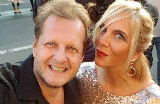 Daniela und Jens gemeinsam beim Comedypreis 2018. Jens Büchner verstarb am 17. November 2018.