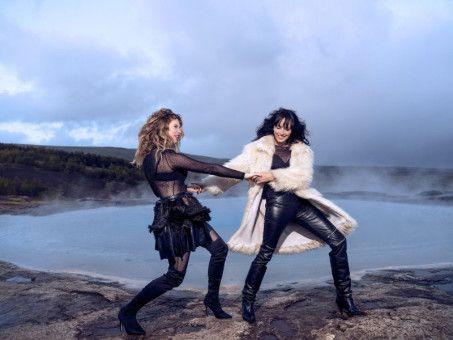 Blick auf Island: Der neue Lambertz-Kalender inszeniert die Naturschönheiten der Insel im Nordmeer.