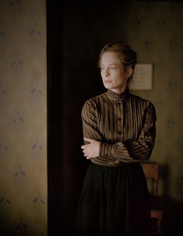 Maria Bonnevie spielt Astrids Mutter Hanna.