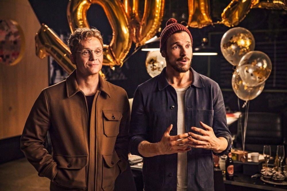 Auf einer Party schließen Paul (Florian David Fitz, rechts) und Toni (Matthias Schweighöfer) die Wette ab: 100 Tage Verzicht.