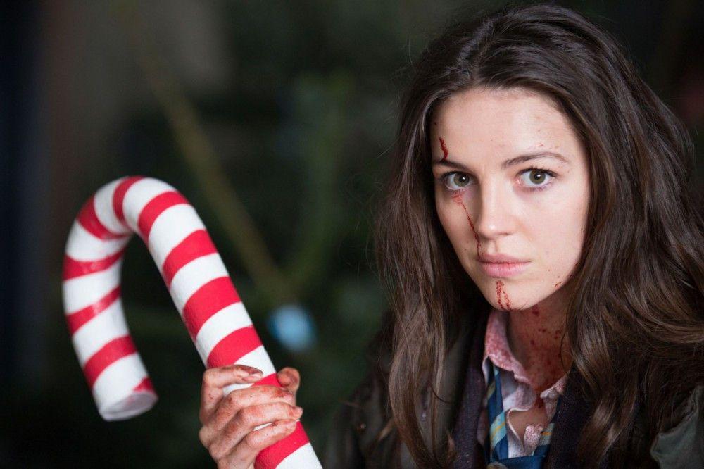Anna (Ella Hunt) ist ein ganz normaler Teenager - bis sich die Bewohner ihrer Heimatstadt in Bestien verwandeln.