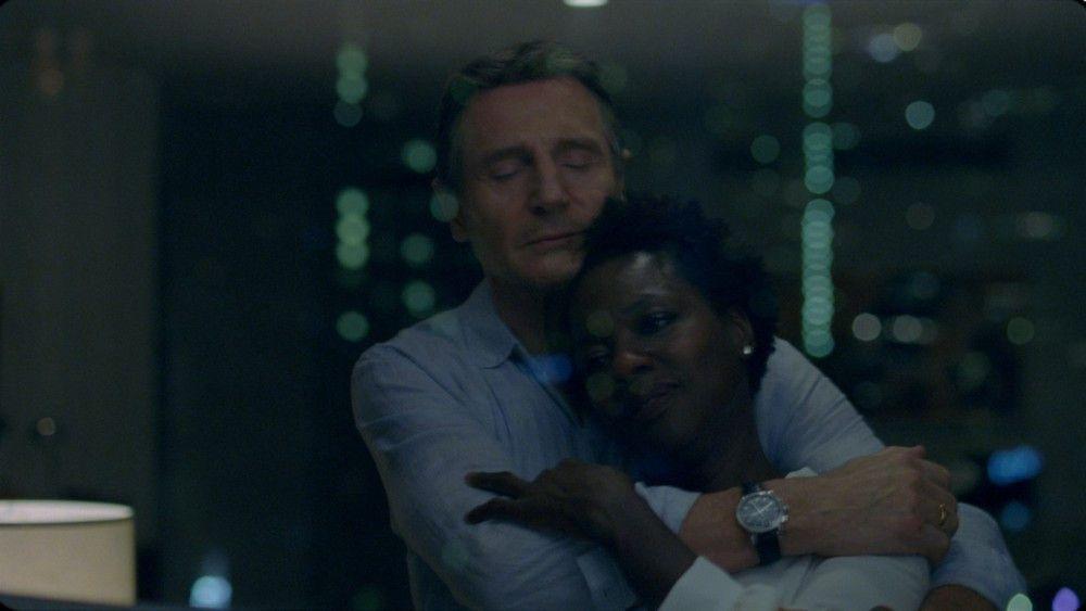 Veronica (Viola Davis) ahnt nichts von den kriminellen Machenschaften ihres Mannes Harry (Liam Neeson).