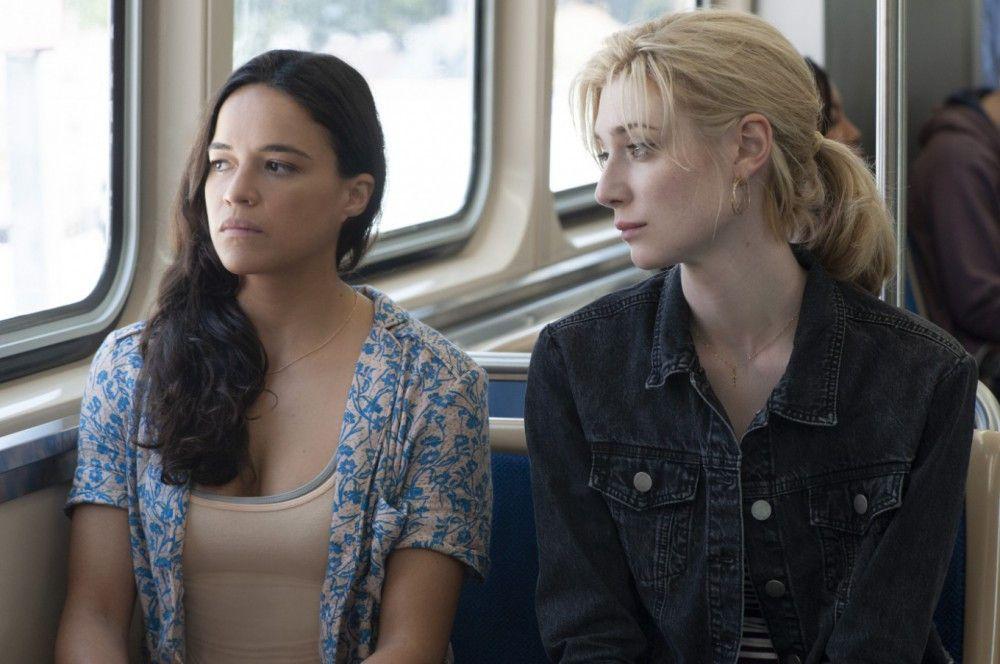 Auch Linda (Michelle Rodriguez, rechts) und Alice (Elizabeth Debicki) haben ihre Männer verloren.