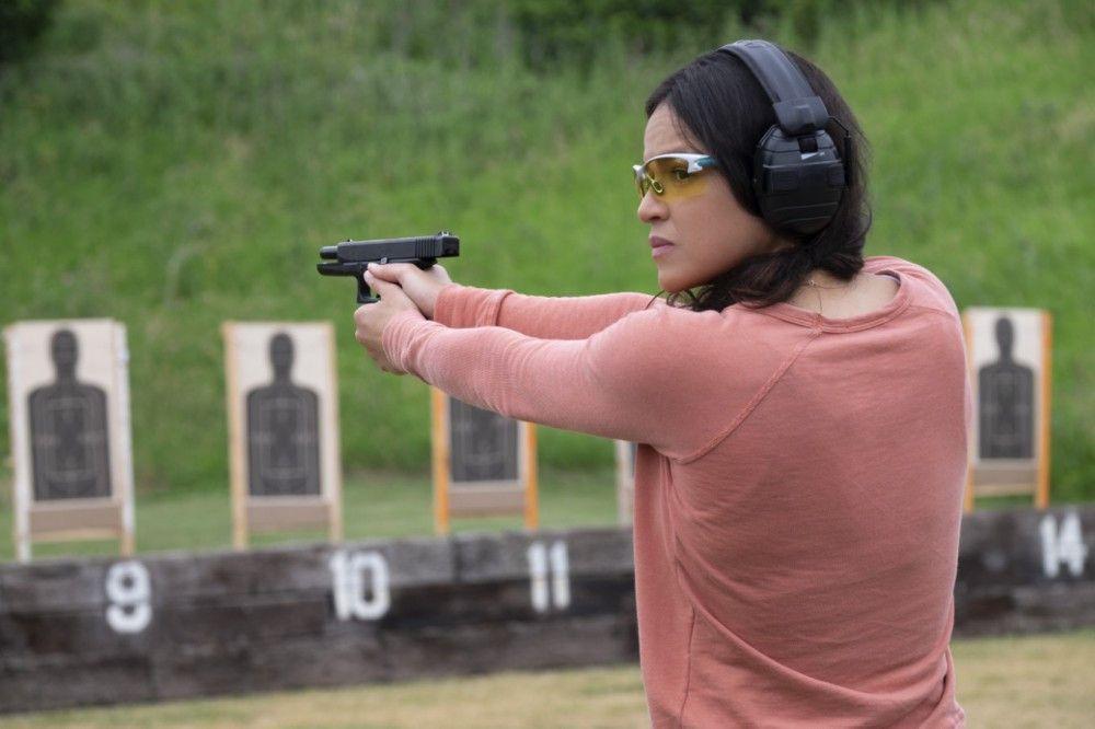 Training für den Ernstfall: Linda (Michelle Rodriguez) auf dem Schießplatz.