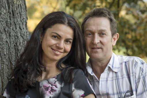"""Beim Finale der 14. Staffel von """"Bauer sucht Frau"""" ergaben sich plötzlich  ganz neue Paar-Konstellationen. So präsentierte Bauer Bernhard seine neue Liebe Lena."""
