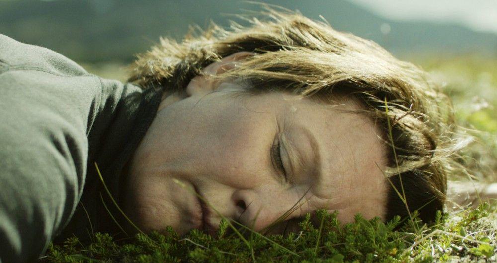 Halla (Halldora Geirhardsdottir) liebt die Natur. Und sie kämpft auch für sie.
